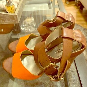 Kenneth Cole Reaction Orange and Tan Cross Sandals